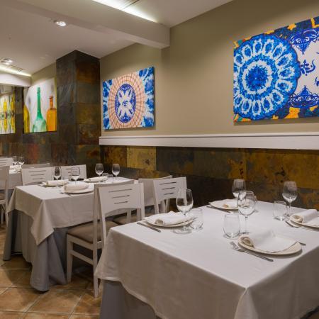 Salones de gran capacidad para cenas y reuniones