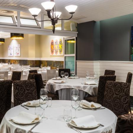 Restaurante Finisterrae, Torre de Hercules, campo de golf y polideportivo municipal